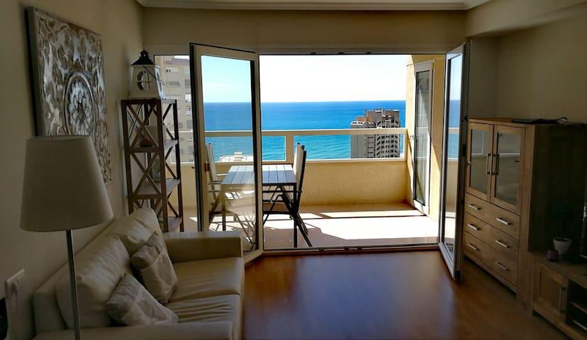 Apartment by the sea in Playa San Juan