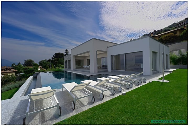 Modern design villa with pool and stunning views!