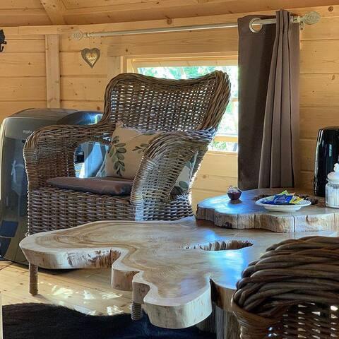 Cabane tout confort avec petit déjeuner