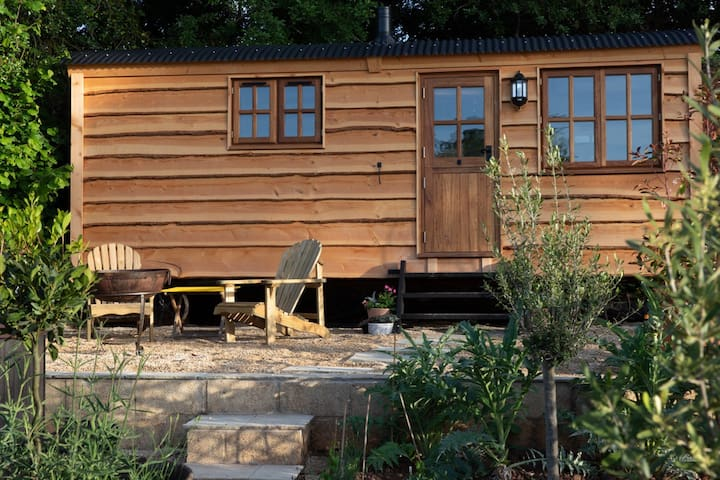 Luxury, rural  Shepherds Hut nr Bath and Bristol