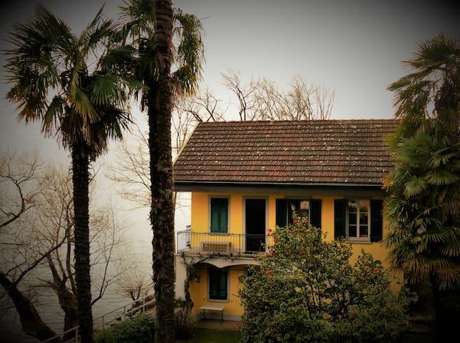Rustico direkt am Ufer des Lago Maggiore - Minusio - Wohnung