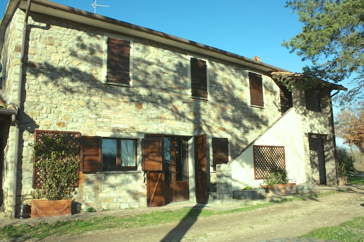 Countryhouse Villa and Estate/Ranch. 9km from Todi - Fratta Todina
