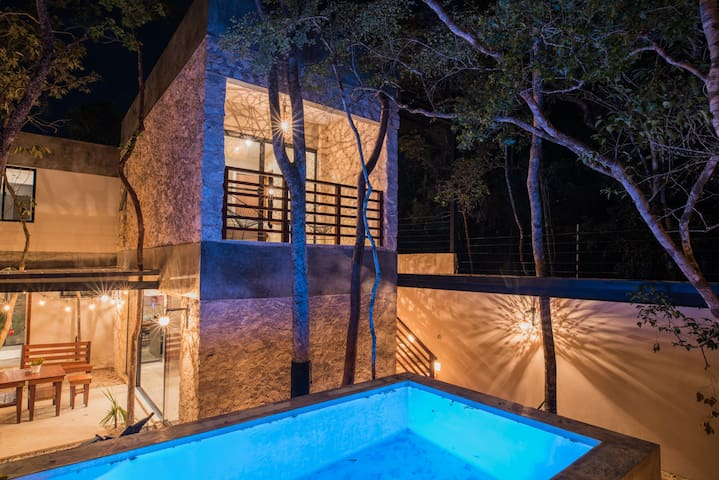 ART HOUSE WITH POOL SOLARIUM 4BD 10PPL EVENTS - Tulum - Villa