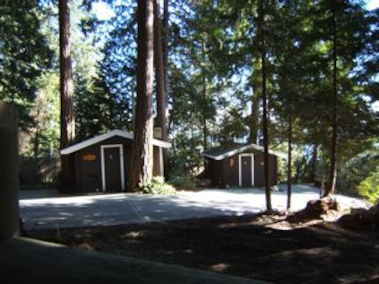 Catch Of The Day Cottage #2  Cabins For Rent In Sechelt, British Columbia,  Canada