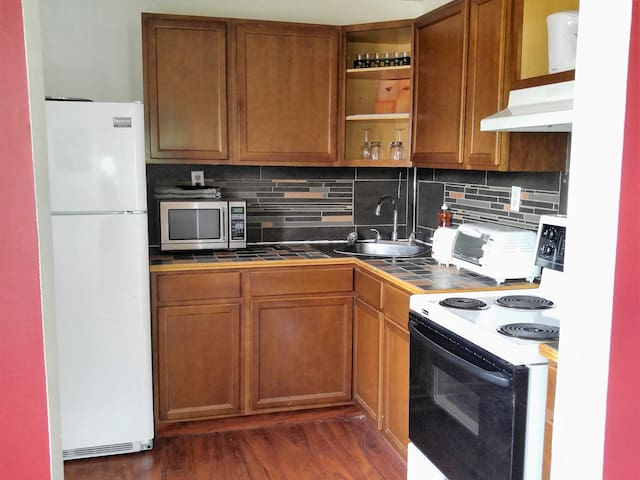 2BR Short-term monthly rental (2nd floor)