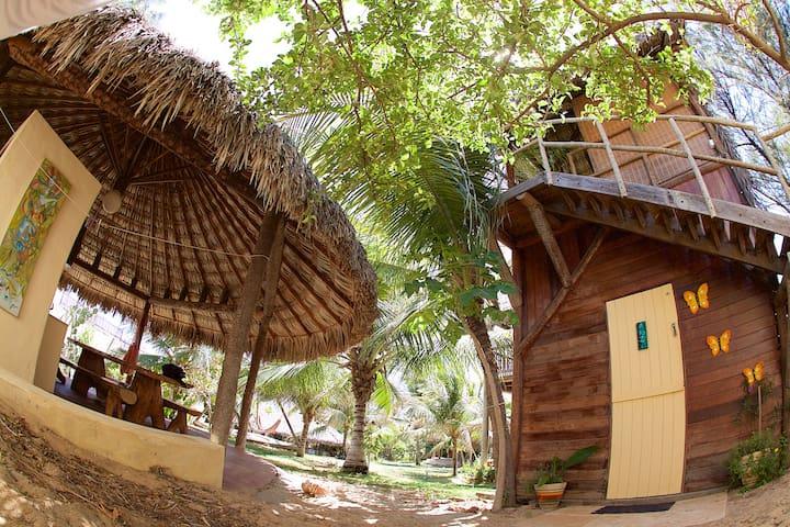 Bangalô rústico a 50m da Praia de Canoa Quebrada