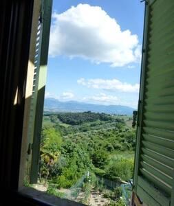 Village Living - San Bartolomeo apt - Montefalco - Apartment