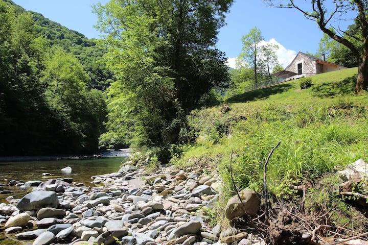 """"""" Monyoya"""" Site exceptionnel au cœur des Pyrénées"""