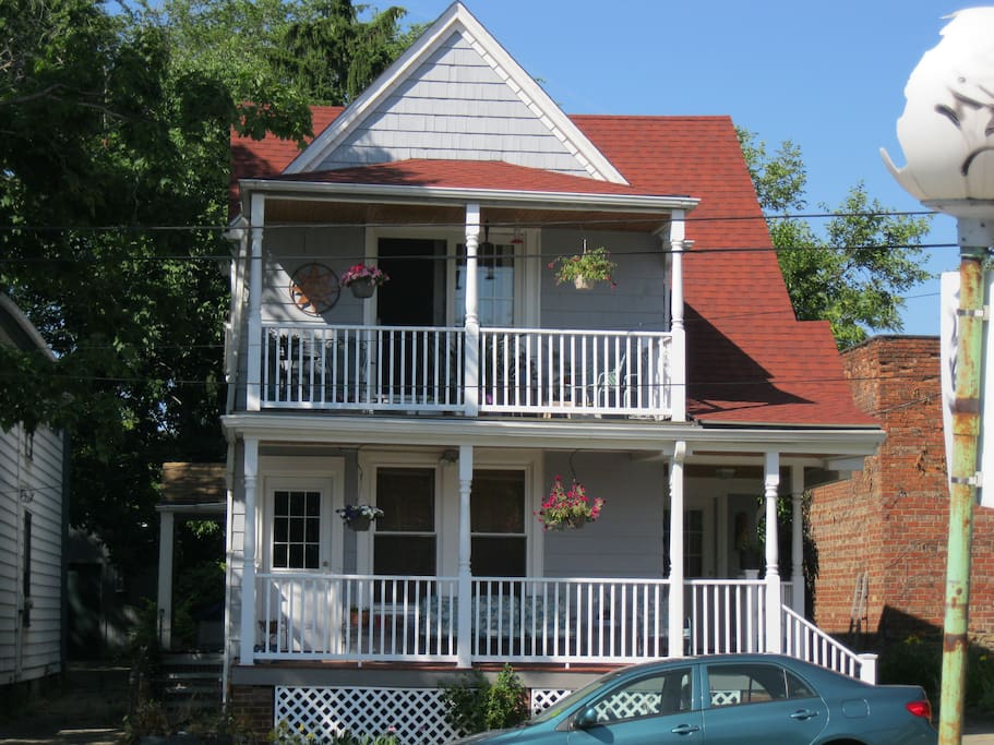 Delightful Century Home in Little Italy/University Circle area. Close to everything!