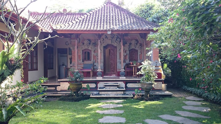 Charming Bali House, Rice Fields, Good Wifi, Yoga