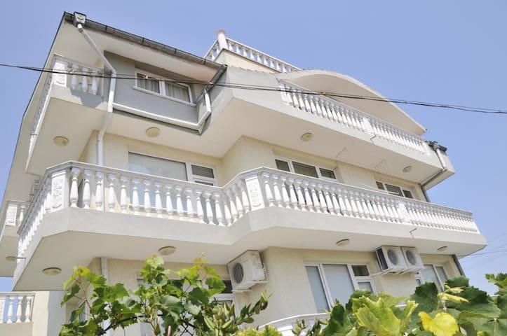 Villa Karina Room 7 - Kavarna - Villa
