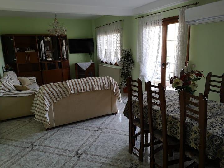 Πολύ όμορφο φωτεινό διαμέρισμα