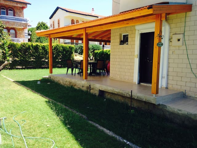 In Cesme Germiyan, 2+1 Cottage, Near The Sea - Çeşme ıldır - Vila