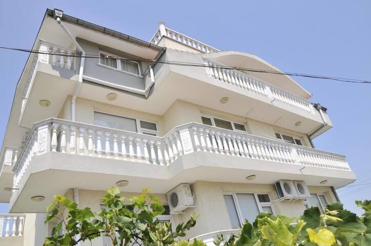 Villa Karina Room 9 - Kavarna - Villa