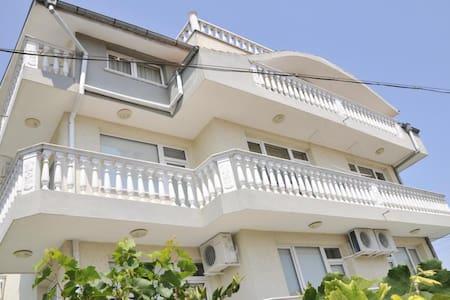 Villa Karina Room 10 - Kavarna - Villa