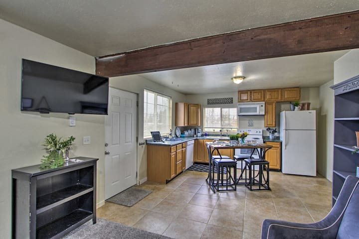 NEW! Cozy Tacoma Ranch Retreat - 7 Mi to Downtown!