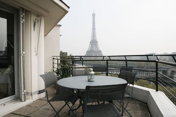 Charming bedroom with great view - Paris - Apartment