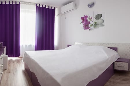 Prolet Guest House Purple Room 2nd
