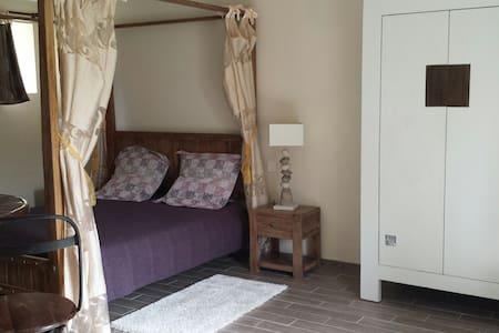 Chambre double Baldaquine - Saonnet