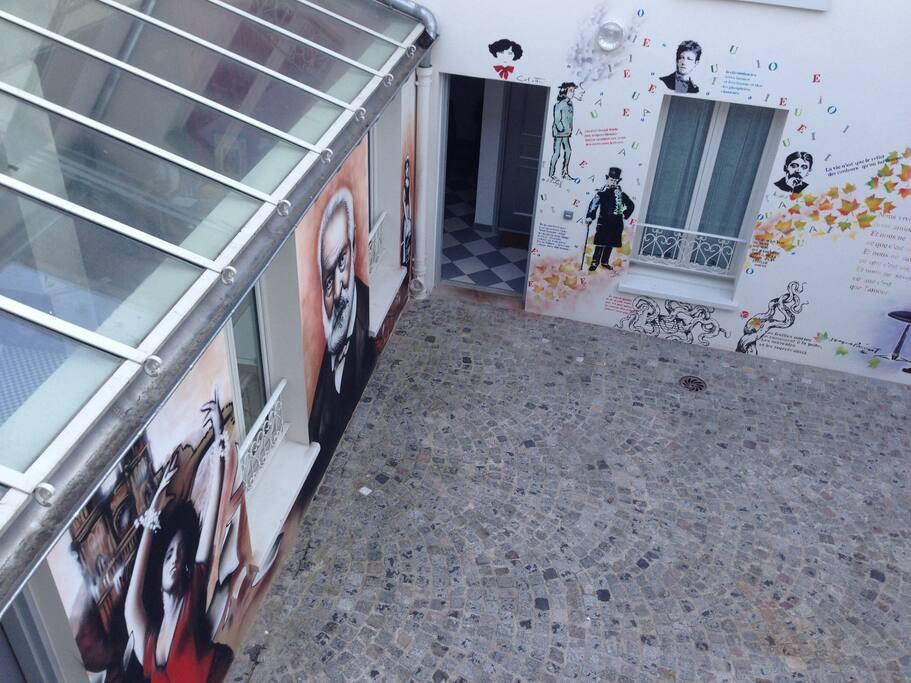 Maison d 39 artistes paris houses for rent in saint ouen le de france france - Maison des artistes paris ...