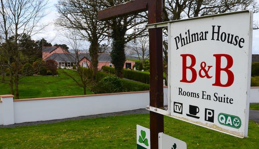 Philmar House B & B