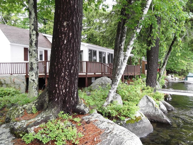 Lake Waukewan waterfront home - New Hampton - Ev