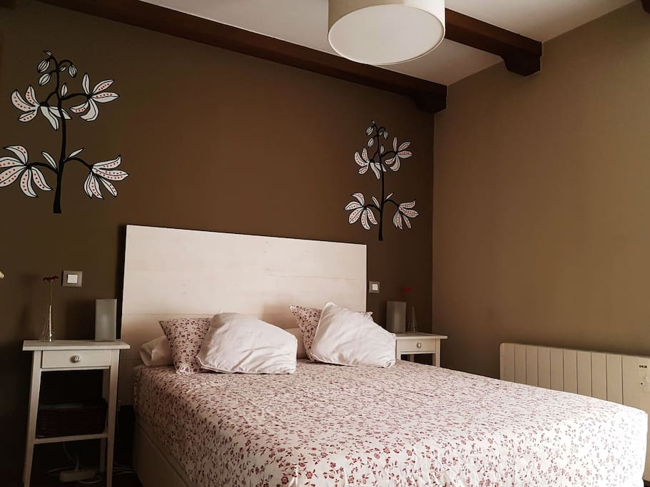 Main Bedroom, Queen Size bed - Dormitorio principal, cama Queen Size (1,5m)