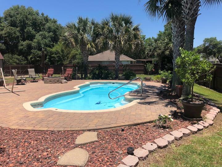 Escape to a Quiet Florida Oasis