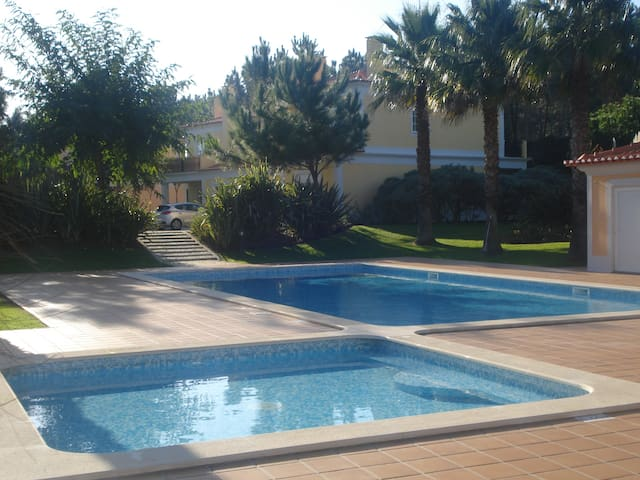 Sunny 3Bedroom Apartment Pool View, Beach, Golf - Amoreira - Appartement