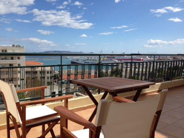 City center penthouse with sea view - Heraklion - Apartamento