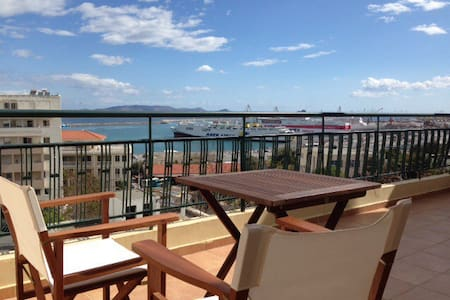 City center penthouse with sea view - Heraklion - Byt