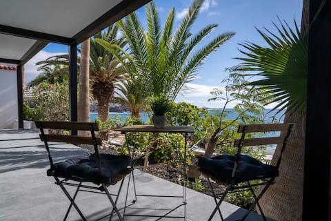 Ocean shore apartment