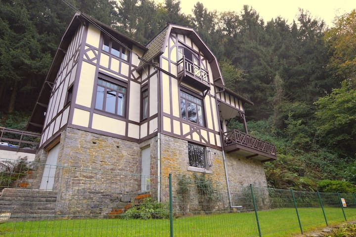 Cozy Holiday Home in Durbuy near Town Center