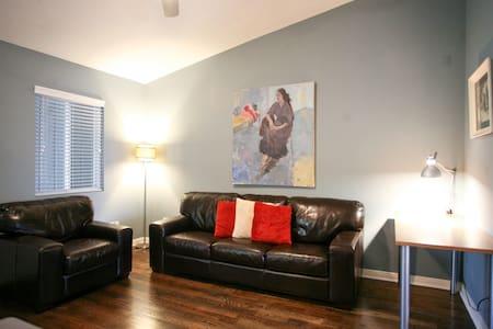 Clarksville Condo - Minutes to DT! - Austin - Condominium