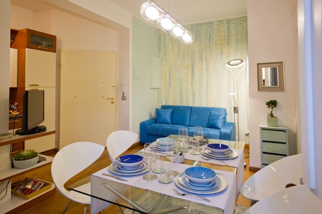 ingresso, sala e tavolo