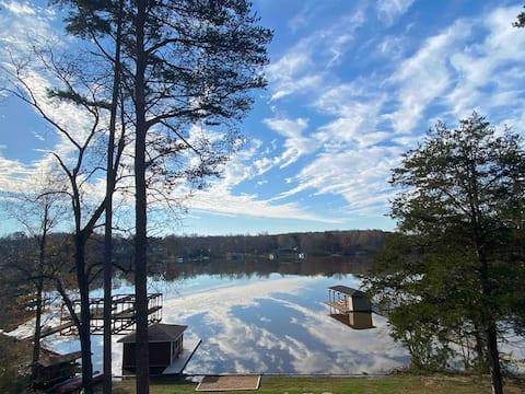 Lakefront Leisure