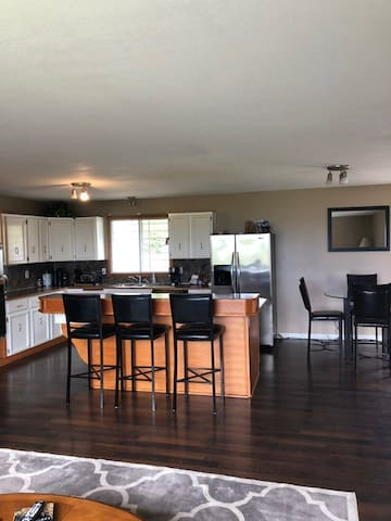3Bedroom, clean, spacious, family friendly home