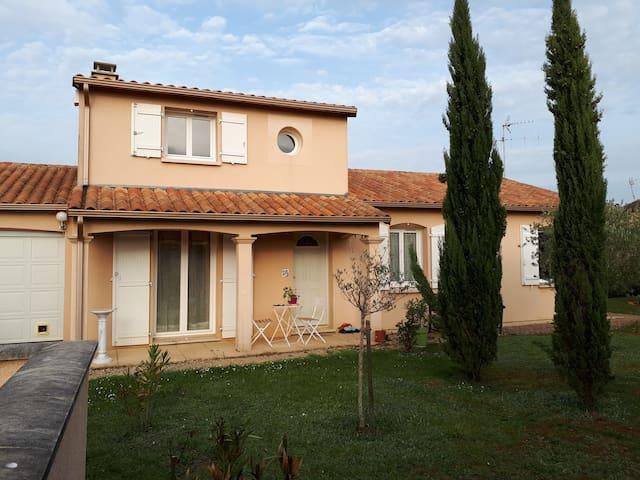 maison avec piscine près du futuroscope