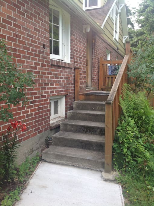 Here you are at the steps up to the hideaway.