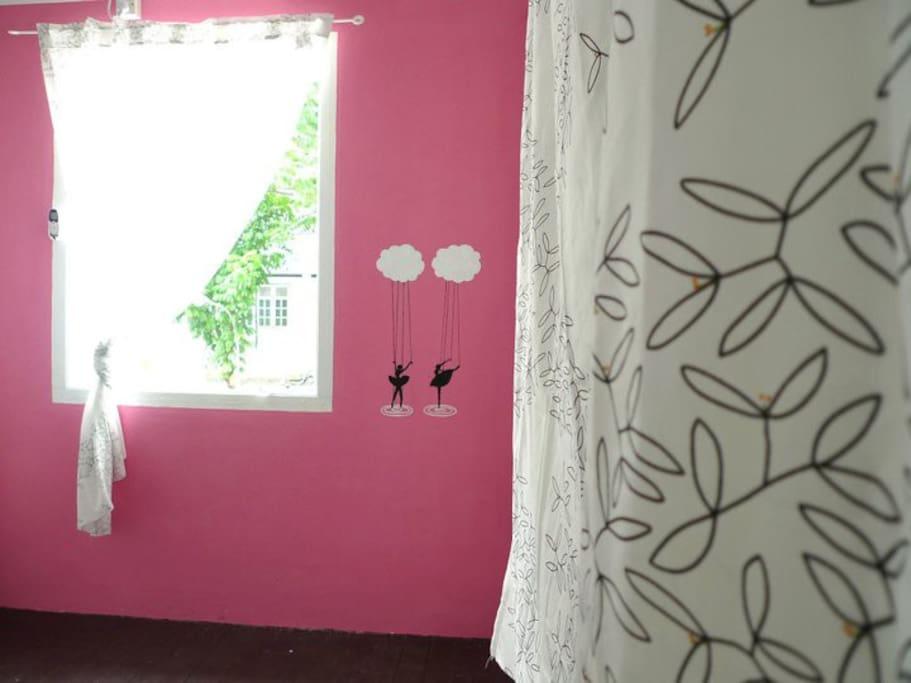 粉紅愛麗絲夢遊仙境