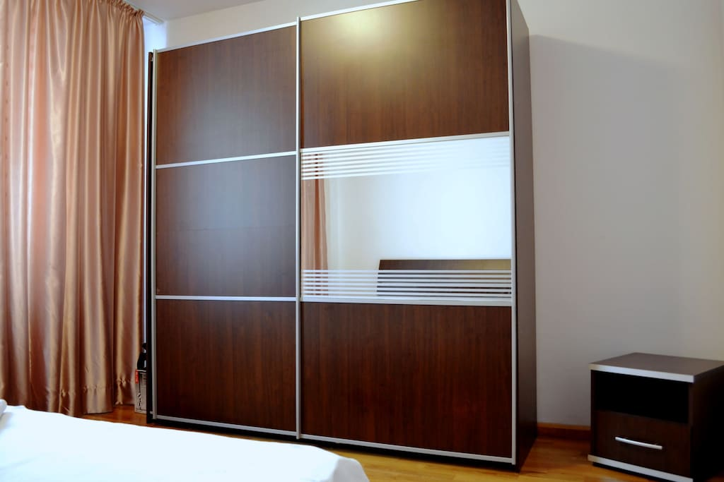 2 rooms unirii boulevard luxurry appartements louer for Meuble roumanie