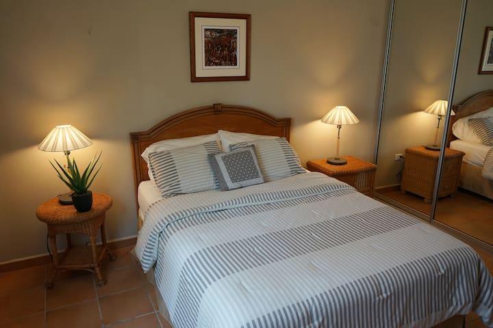 3rd bedroom Queen Bed