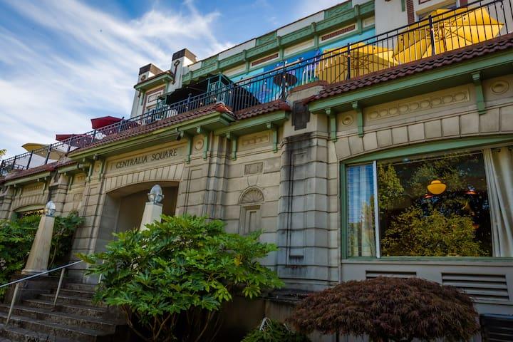 Centralia Square Hotel Room 306