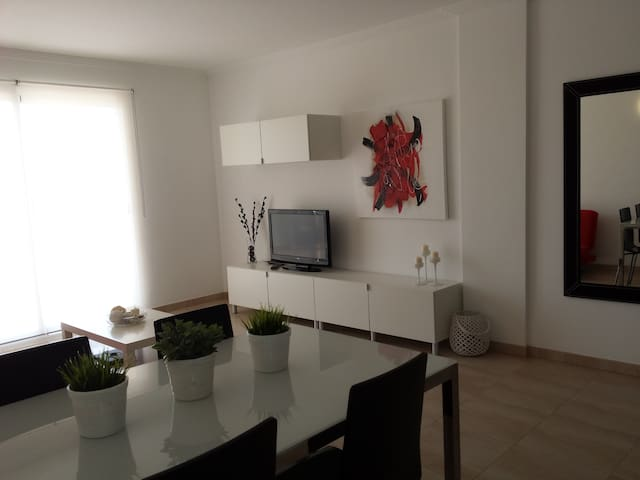 Sunny apartment in Sa Coma (4 adults and a baby). - Sa Coma - Leilighet