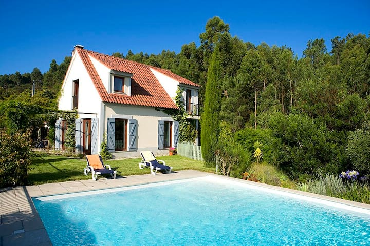 Stunning Cottage: Pool, near beach  - Âncora - House