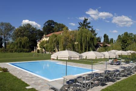 Apartment-villa pool in the nature - Lägenhet