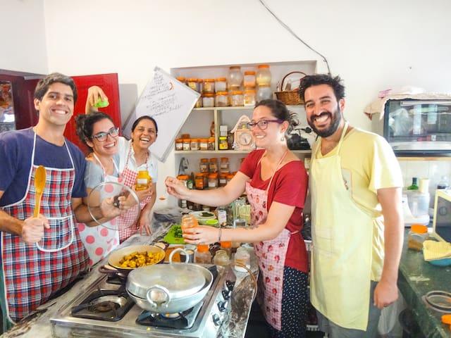 Enjoy! Home + Cultural Experience with Hari Pari-2