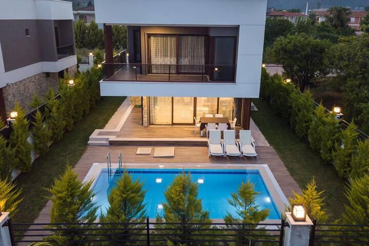 VİLLA ELEGANCE A1  (Private swimming pool)