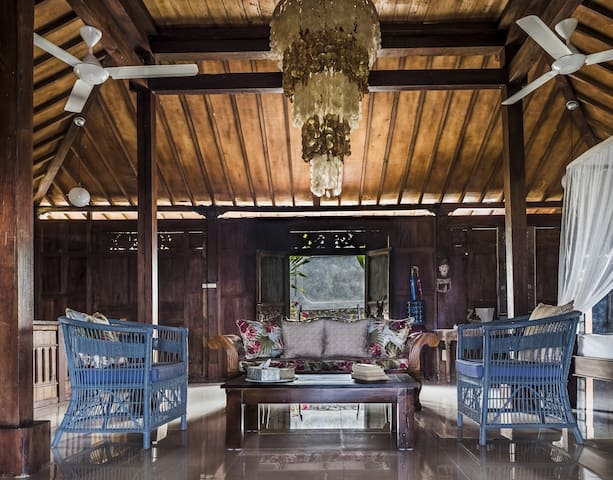 Family / Couple's getaway among the rice fields