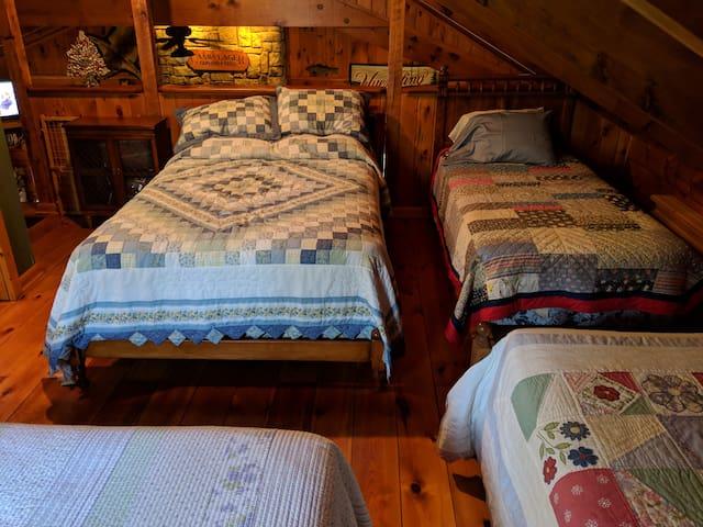 loft area, double & twin bed
